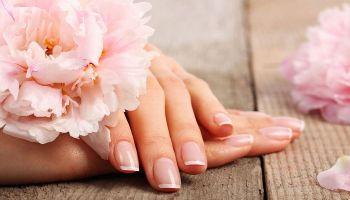 أسرع وصفات طبيعية لعلاج تقصف الأظافر