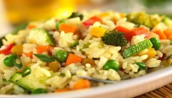 أفضل طريقة عمل الأرز الأصفر بالخضروات والدجاج