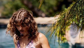 أفضل الطرق للعناية بالشعر في فصل الصيف
