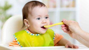 طريقة تغذية الأطفال الرضع من البداية