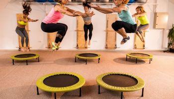 ما هي أنواع رياضة الترامبولين وأهم فوائدها على الجسم