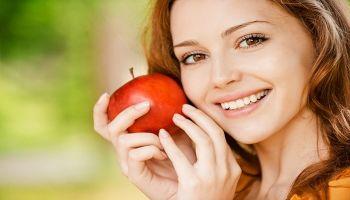 7 ماسكات بإستخدام التفاح لإعادة نضارة البشرة