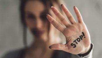 علامات تدل على العلاقة المؤذية