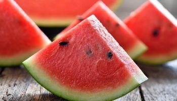 فوائد البطيخ في رمضان.