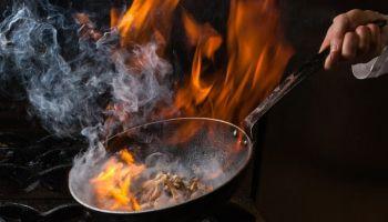 كيفية التخلص من رائحة الطعام المحترق