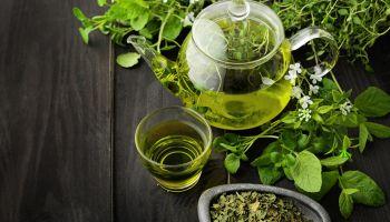 فوائد وأضرار الشاي الأخضر الصحية